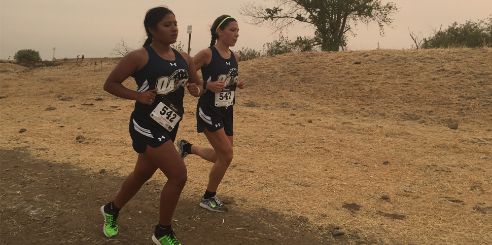 Bautista-Farias (left) and Thompson (right) were Menlo's top finishers on Saturday.