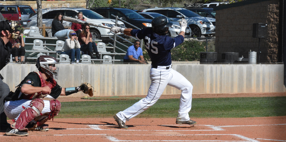 Photo for Late home runs power Menlo to 4-3 win over #8 Westmont